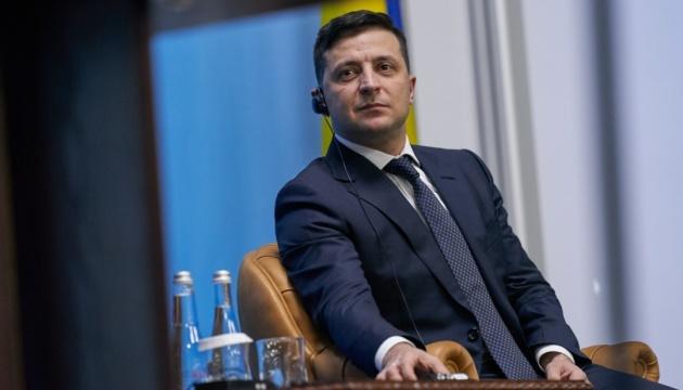 Зеленський ветував закон, що послаблює відповідальність за брехню у деклараціях