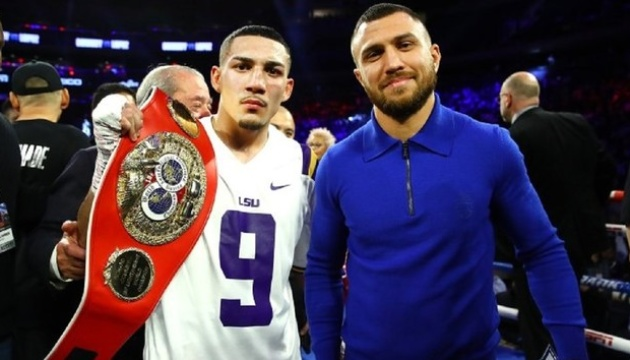 Arum: It's very hard to hold Lomachenko-Lopez fight without spectators