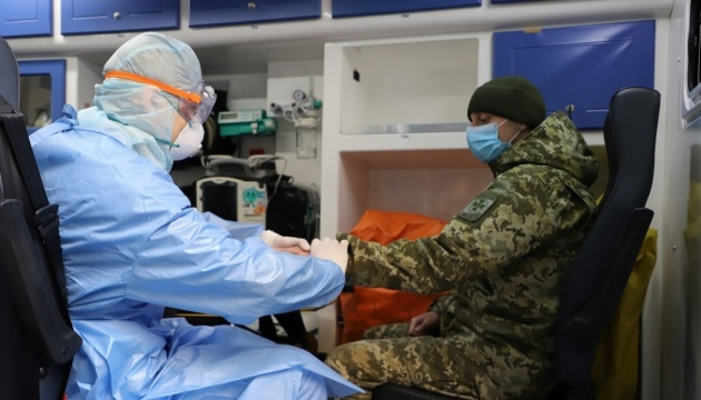В українській армії за добу - 63 випадки коронавірусу, один летальний