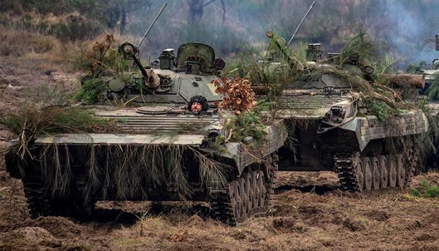 На Донбассе с начала суток - два обстрела, потерь нет