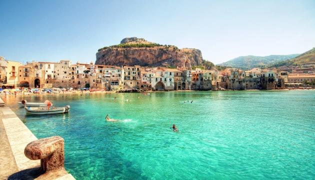 Сицилія готова оплатити туристам 50% вартості авіаквитків після завершення карантину