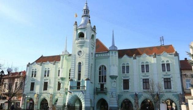 В Мукачево возобновляют работу рынков, не работавших больше недели