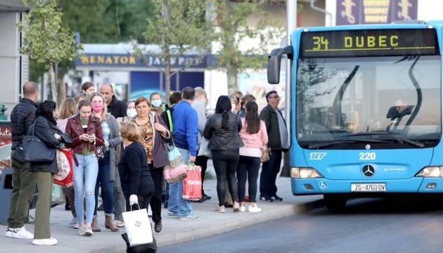 Хорватія виходить із карантину: у Загребі запрацював громадський транспорт