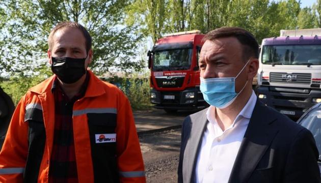 На Закарпатье активисты пожаловались на некачественное строительство дороги