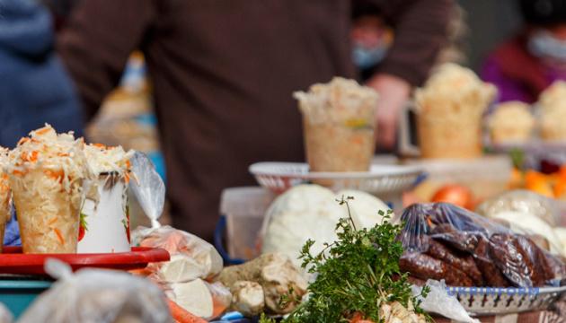 В Луцке сегодня начинают работу пять агропродовольственных рынков