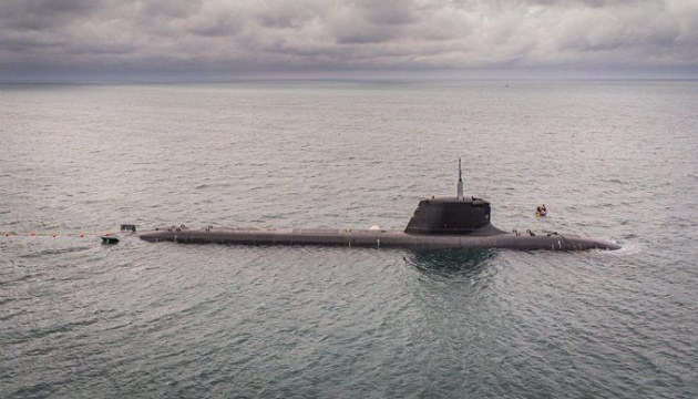 Французька атомна субмарина здійснила перше занурення