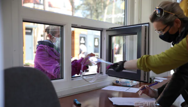 Польща почала видавати українцям робочі візи