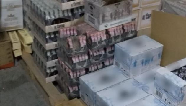 СБУ на Донеччині блокувала збут нелегальної горілки на мільйони гривень