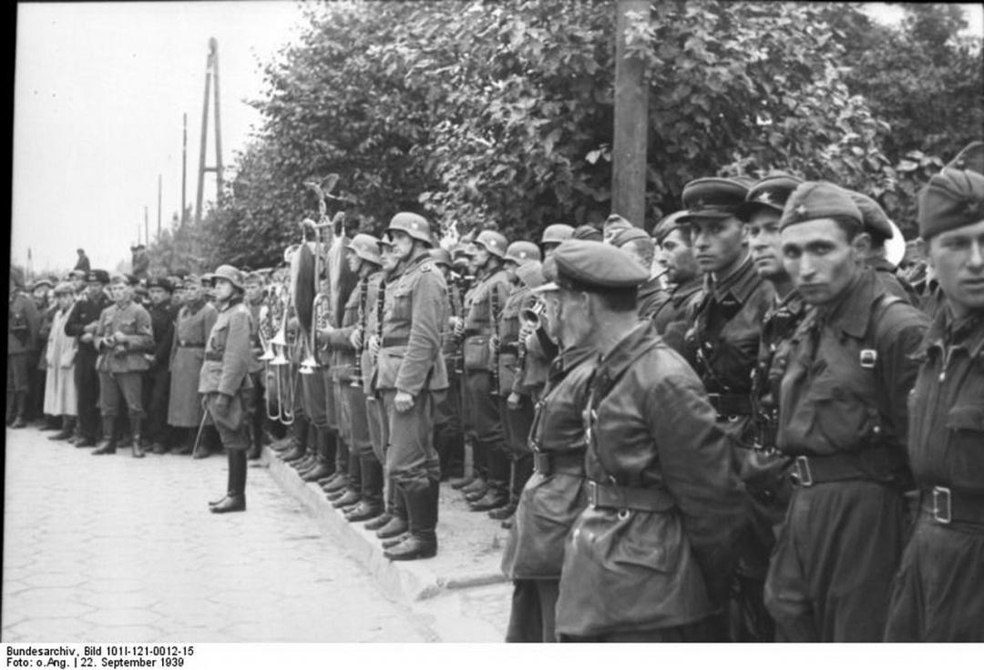 Спільний парад радянських та німецько-фашистських військ