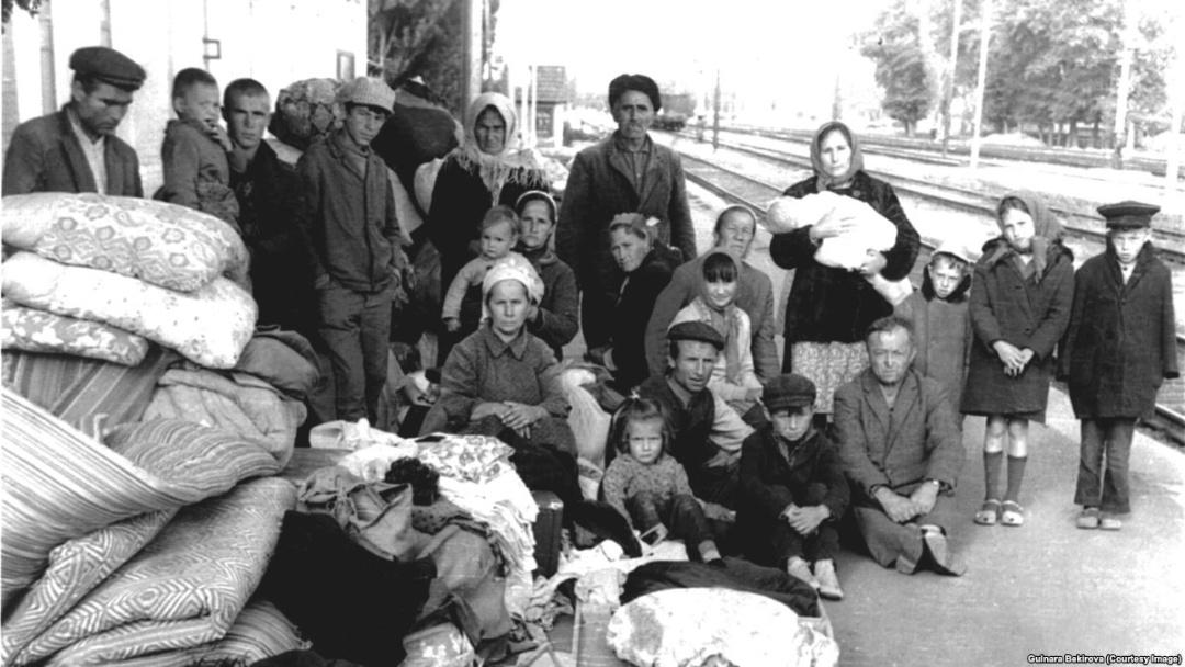 Кримські татари по прибутті до міст вигнання