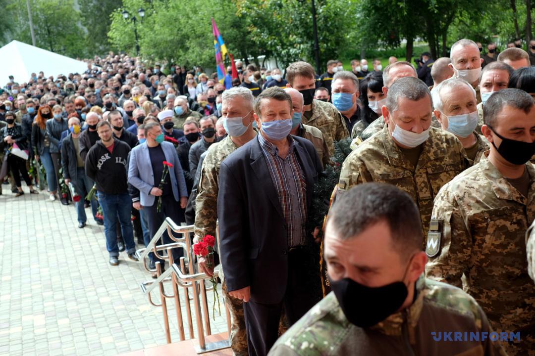У п'ятницю, 22 травня, на Луганщині попрощалися з командиром батальйону