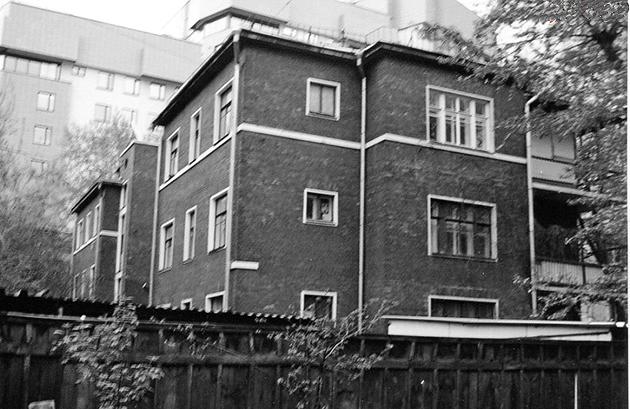 Триповерховий житловий будинок кооперативу лікарів «Зоря» (ніе зберігся), Москва, де жив М.Н. Бурденко
