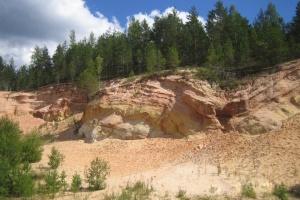 В Чернигове не хватает песка для завершения ремонтов дорог