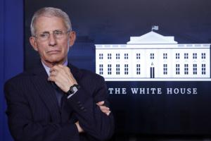 Головний інфекціоніст США: Ми досі перебуваємо на початку пандемії
