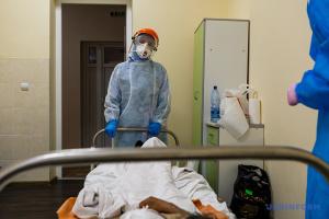 新型コロナ患者用の病床使用率 4地域で50%到達