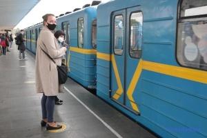 «Червоний» понеділок для Києва: чому метро не перемогло дорожні затори?