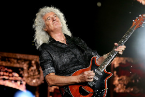 Гитарист группы Queen перенес сердечный приступ