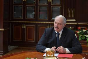 Лукашенко запевняє, що не каратиме журналістів за правду про COVID-19