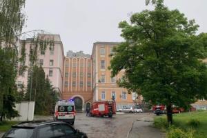 У Києві ліквідували пожежу в Олександрівській лікарні