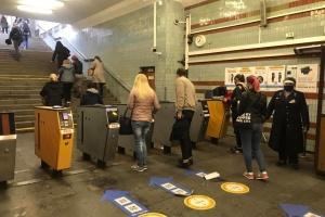 В киевском метро в час пик стало больше пассажиров