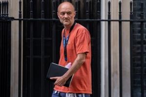 Радник Джонсона не збирається йти у відставку через порушення карантину