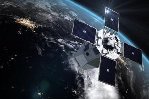 Франция начала готовить пилотов для управления спутниками