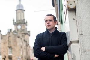 """Шотландський міністр подав у відставку через """"карантинний скандал"""""""