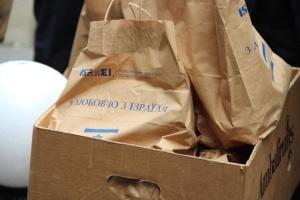 Посол Израиля передал продуктовые наборы жителям Житомира и Бердичева