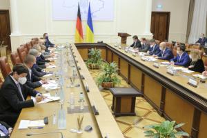 В Україні може поновити роботу урядова комісія із захисту бізнесу — Шмигаль