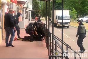 Поліція затримала підозрюваного у підпалі Каховської прокуратури