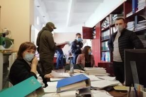 """Директор """"Довженко-Центра"""" заявляет, что к ним пришли с обыском"""