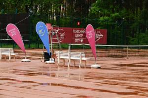На тенісному турнірі в Ірпені через негоду скасували всі матчі другого ігрового дня