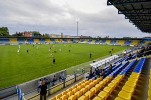 В Угорщині відкривають стадіони для вболівальників