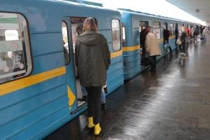 В столичном метро много людей даже не в час пик