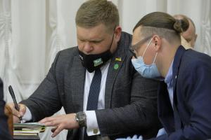 """В """"Слуге народа"""" не исключают привлечения действующих депутатов в списки на местных выборах"""