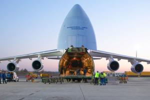 Украинские самолеты на заказ НАТО доставили в Германию более 300 тонн медгрузов