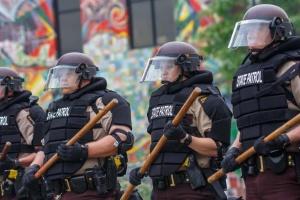 В Миннесоте полиция арестовала экс-офицера из скандального видео