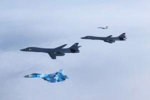 Bombarderos estratégicos estadounidenses sobrevuelan Ucrania