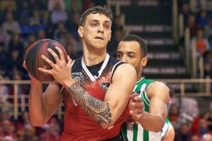 Іспанський клуб подовжив угоду з баскетболістом збірної України