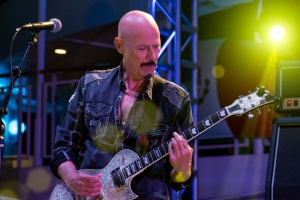 Умер известный рок-музыкант и продюсер Боб Кулик
