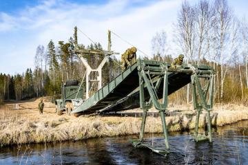 """Навчання в умовах пандемії: НАТО проводить """"Весняний шторм"""" в Естонії"""