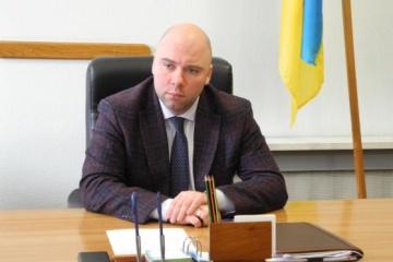 Заступник голови Харківської ОДА пояснив, як опинився на фото з Добкіним і червоним прапором