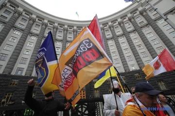 """""""Quarantäne tötet"""": Unternehmer protestieren gegen Corona-Beschränkungen"""