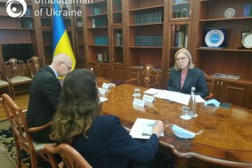 Denísova informa a Bogner sobre la situación de COVID-19 en las cárceles
