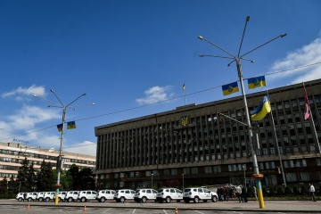 """Сільським лікарням на Запоріжжі передали 14 """"швидких"""""""