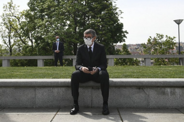 Чехія почувається в безпеці лише завдяки членству у НАТО та євроструктурах – Бабіш