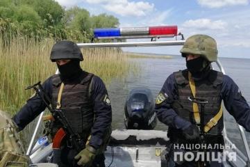На Черкащині знешкодили банду браконьєрів,  яка щодня виловлювала тонни риби