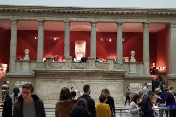 Державні музеї Берліна за тиждень без карантину прийняли 10 тисяч відвідувачів