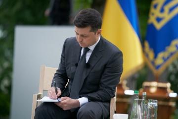 ウクライナの言語問題は人工的に作られたもの=ゼレンシキー大統領