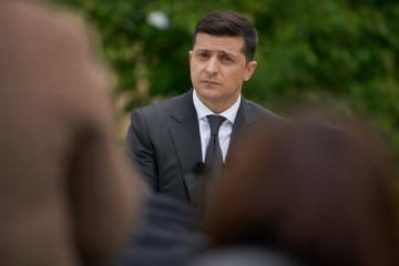 ゼレンシキー大統領、三者グループの新ウクライナ代表の候補に言及